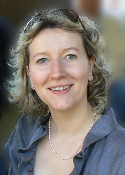 Mme Carole Billé